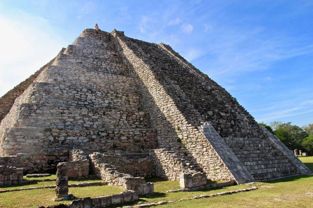 pyramide mayapan yucatan